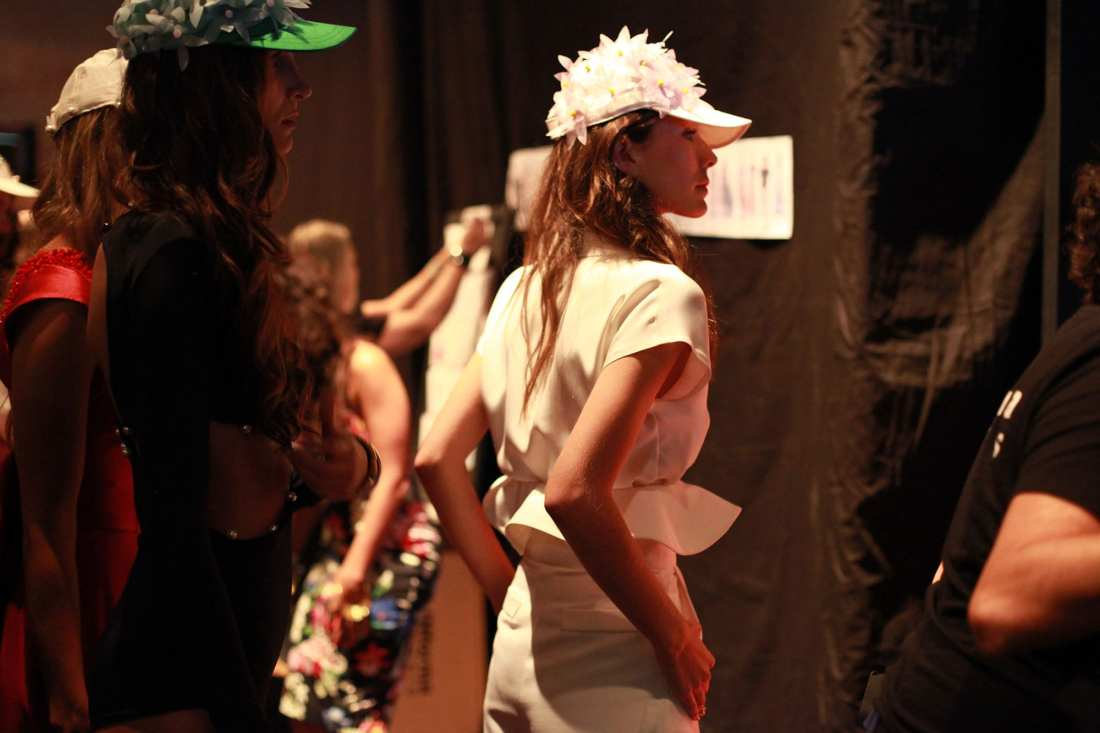 backstage leal daccarett