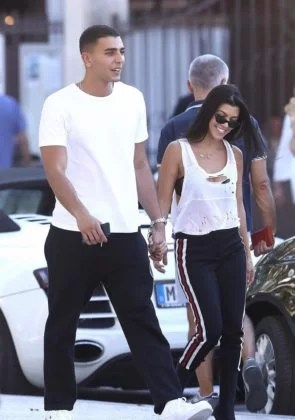Kourtney Kardashian Holds Hands With New Boyfriend Younes ...