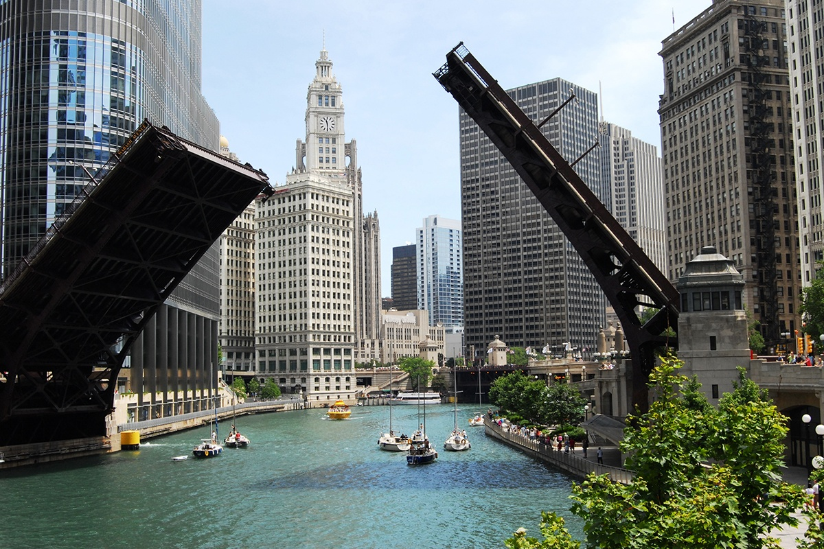 Chicago Architecture - Drawbridge over the Chicago River