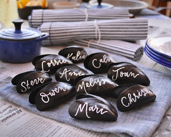 baked clam table placecards