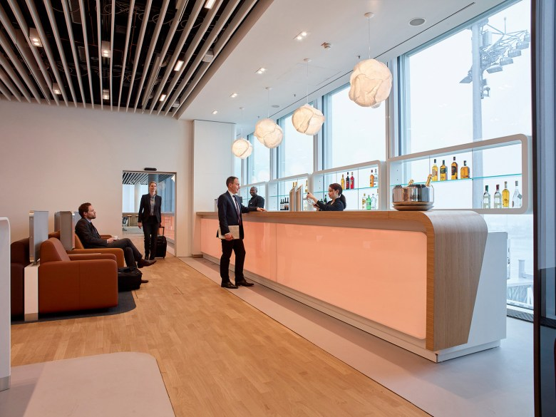 LUFTHANSA FIRST CLASS Check in Lounge Frankfurt Airport, Frankfurt, Germany