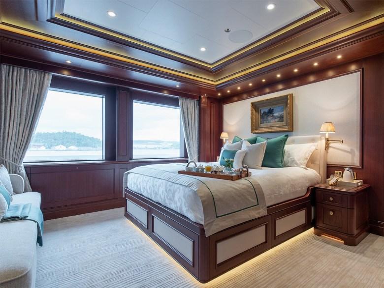 ARETI Yacht VIP suite
