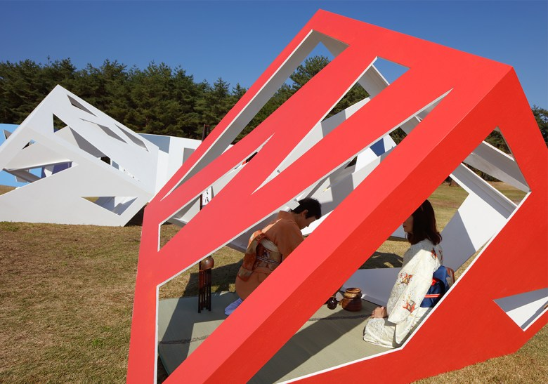 public art stargazing tea rooms by Moriyuki Ochiai