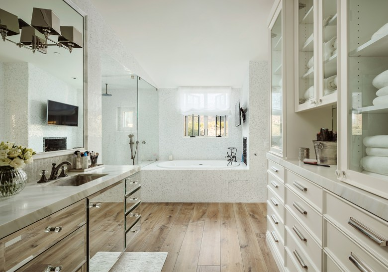 Silverleaf Village Bathroom