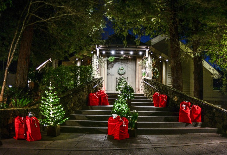 TWELVE DAYS OF CHRISTMAS AT THE RESTAURANT AT MEADOWOOD – St. Helena, California - Entrance