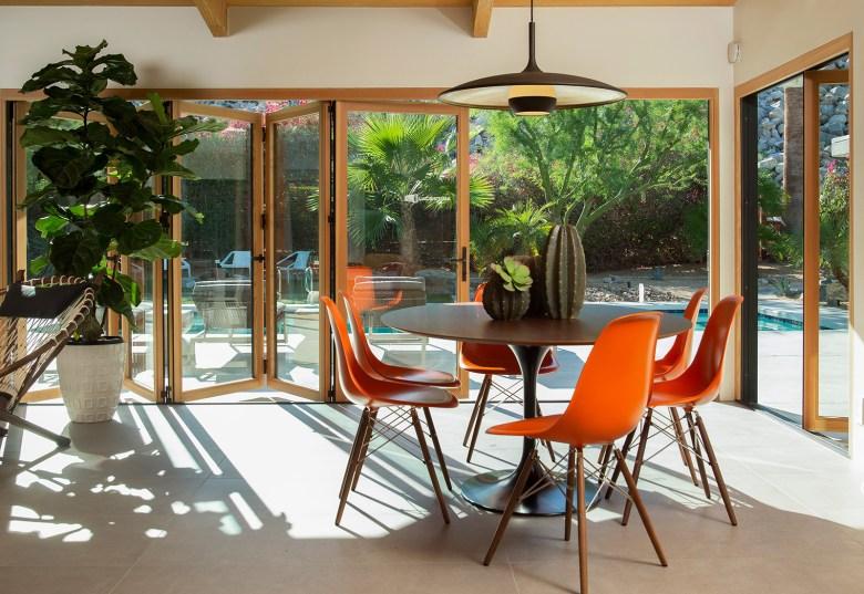 Mid-Century Modern Home Palms Springs CA - Kitchen