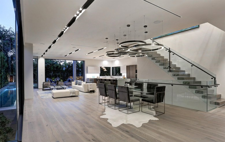 Los Angeles modern home in Beverly Grove