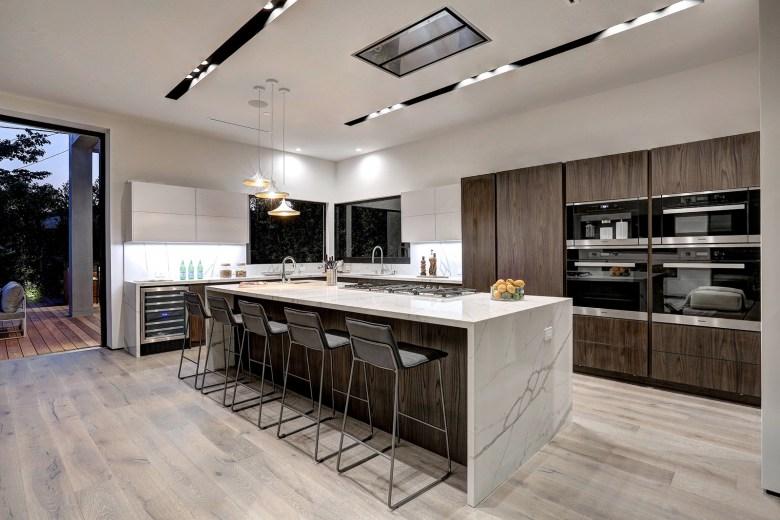 LA Build Corp - Modern Home Kitchen