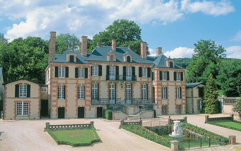 Champagne Taittinger Chateau France