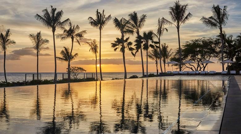 Four Seasons Oahu Hawaii infinity pool