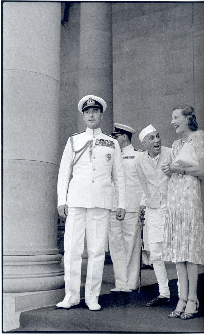 Nehru_and_the_Mountbattens_-_Cartier-Bresson_-_NPG