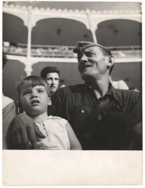 Gerda Taro, Republican Militiaman and Child at Bullfight and Military Show, Barcelona