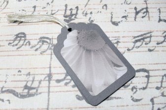 6pc Black and White Flower Mini Tags