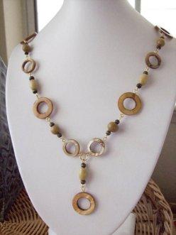Circular Disks Shell Cat Eye Beaded Necklace