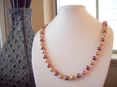 Glass Pearl beaded necklace