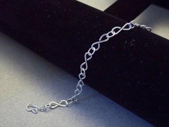 Hammered crafted bracelet