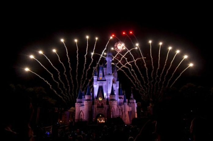 佛羅里達奧蘭多迪士尼煙火秀(圖片來源:欣傳媒資料庫)