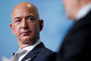 Jeff Bezos Becomes the World's First Person Worth $200 Billion