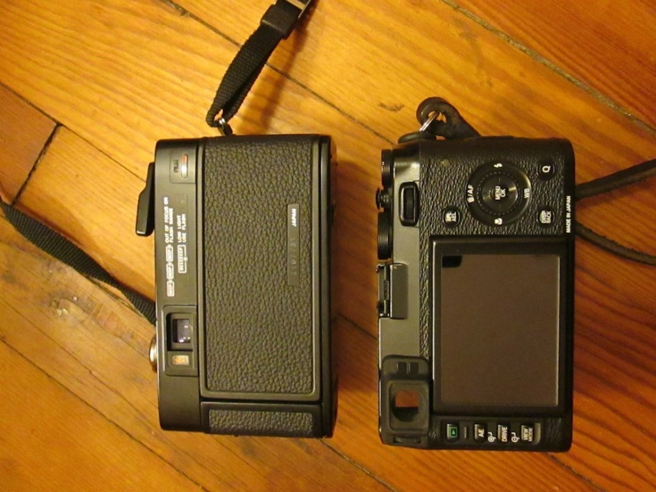 AF2 - X100s Side by Side - Back