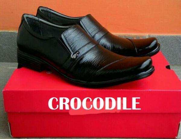 Crocodile-Sepatu Pantofel Pria Kulit Sapi Asli 100% Formal Resmi Rapat Kerja Pesta Jaminan Uang Kembali Jika Bukan Kulit Asli