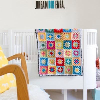 Colorful unisex baby blanket