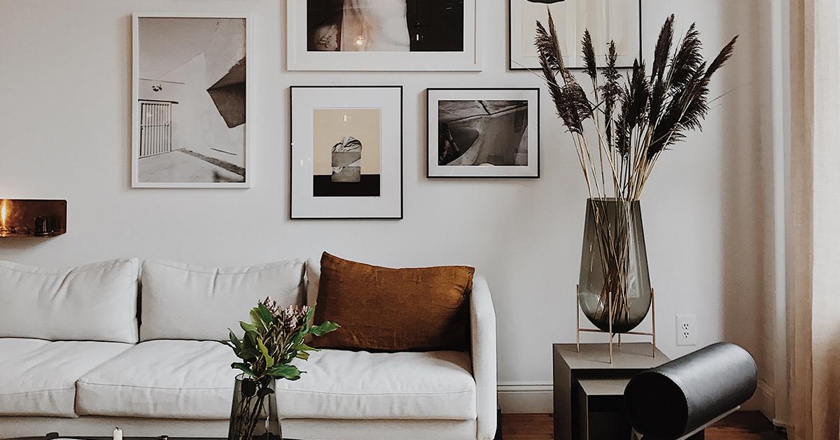 10 idee per arredare dietro al divano