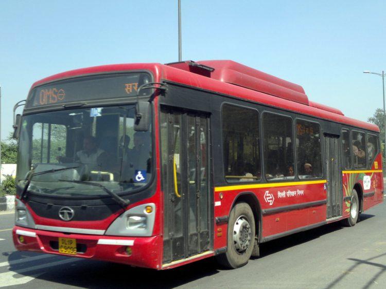 デリー・バス