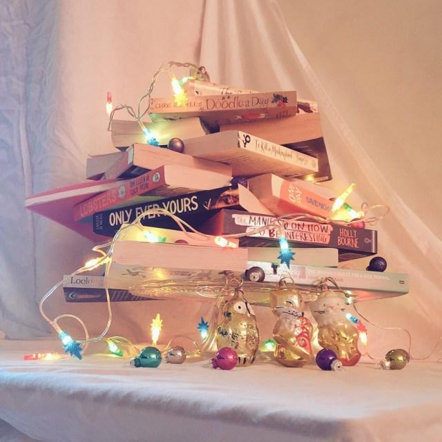 book tree love christmas