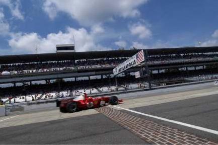 Ferrari se acostumou a ser a primeira que cruza a Brickyard