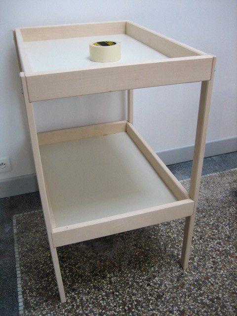 une table a langer basique achetee chez notre ami suedois des coupons de tissus le reste de peinture glycero du lit cage du raphia