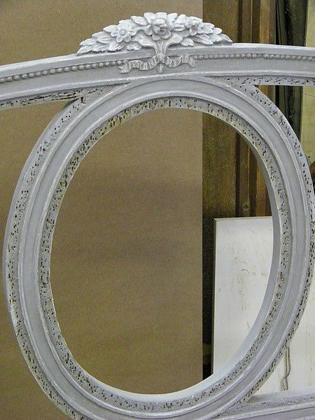 Rnovation Dun Canap Louis XVI Peint Avec Mdaillon