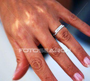 femme-projection-mariage_-k4730753.jpg