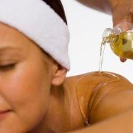 Le massage relaxant et les huiles essentielles