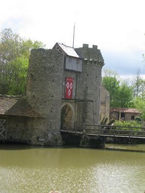 Puy-du-Fou chateau2