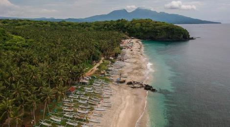 White Sand Beach Bali, Best Hidden Beach In East Bali!! via @snowythespark