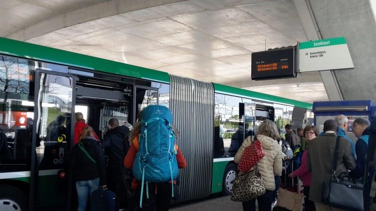 kendaraan bus umum di lucerne swiss