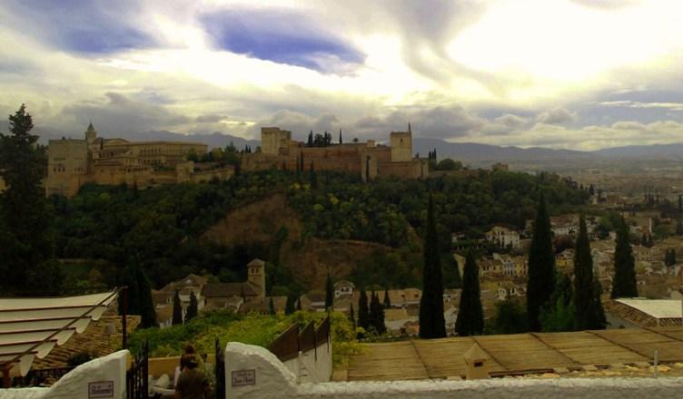 panduan wisata ke alhambra dan granada