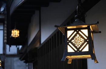 軒先の灯り
