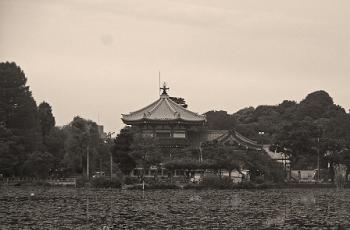 上野の弁天堂