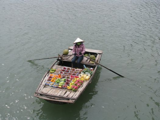 How many sales will this fruit seller close today? (Photo credit: Aneesh KS, Creative Commons