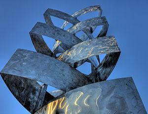 Stainless steel sculpture Begynnelse (Beginnin...