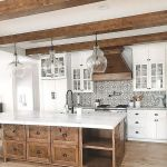 37 Farmhouse Wall Decor Ideas for Kitchen (32)