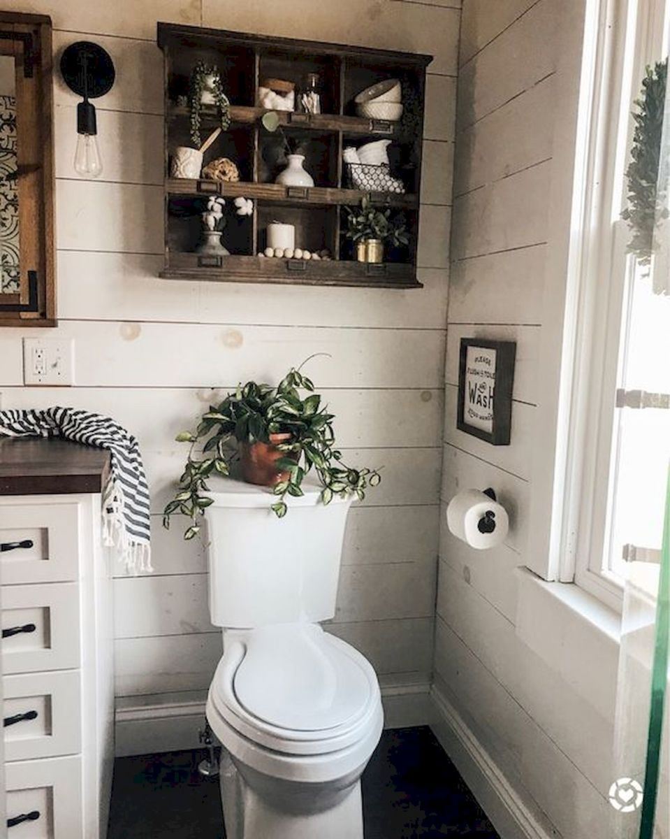 59 Best Farmhouse Wall Decor Ideas for Bathroom (2)
