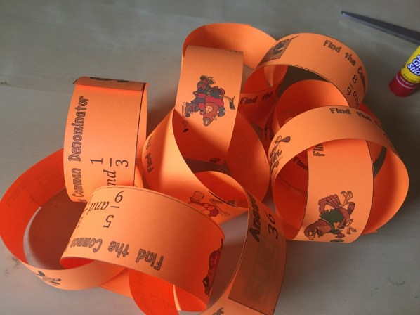 This least common denominator paper chain activity gets students hands-on and talking about fractions. Check out all 10 common denominator activity ideas.