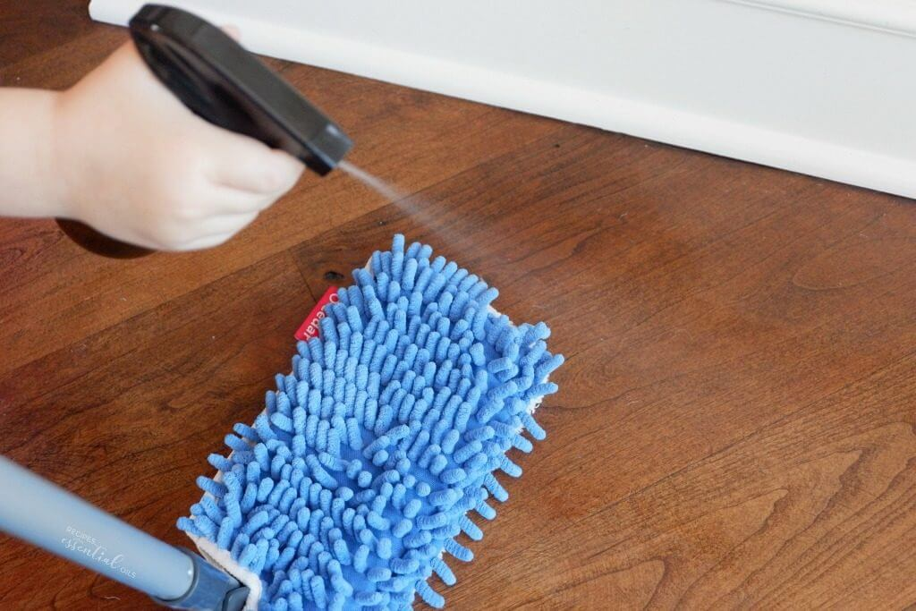 Expert Cleaner Guide: How to Make Homemade Wood Floor Cleaner that Shine Your floor