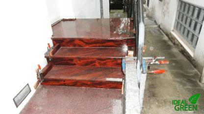Treppe Front gewaschen
