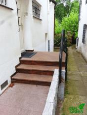 Treppe Front mit Blenden