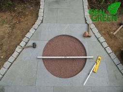 Weg aus Granitplatten Windrose Aufbau 01