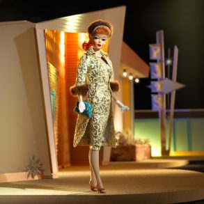 Barbie_indossa_loutifit_Evening_Splendour_1959_Collectors_edition
