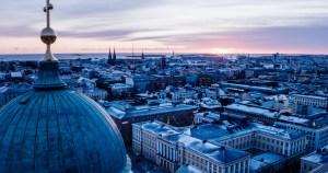 Helsingin keskustaa talvella.